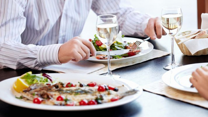 Dine and Shine: Succeeding at Business Meals